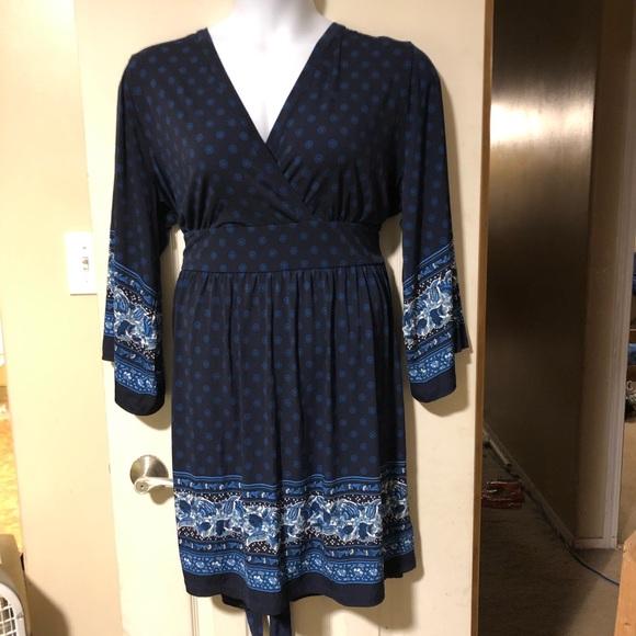 Michael Kors Dresses & Skirts - MIchael Kors knee length long sleeve dress